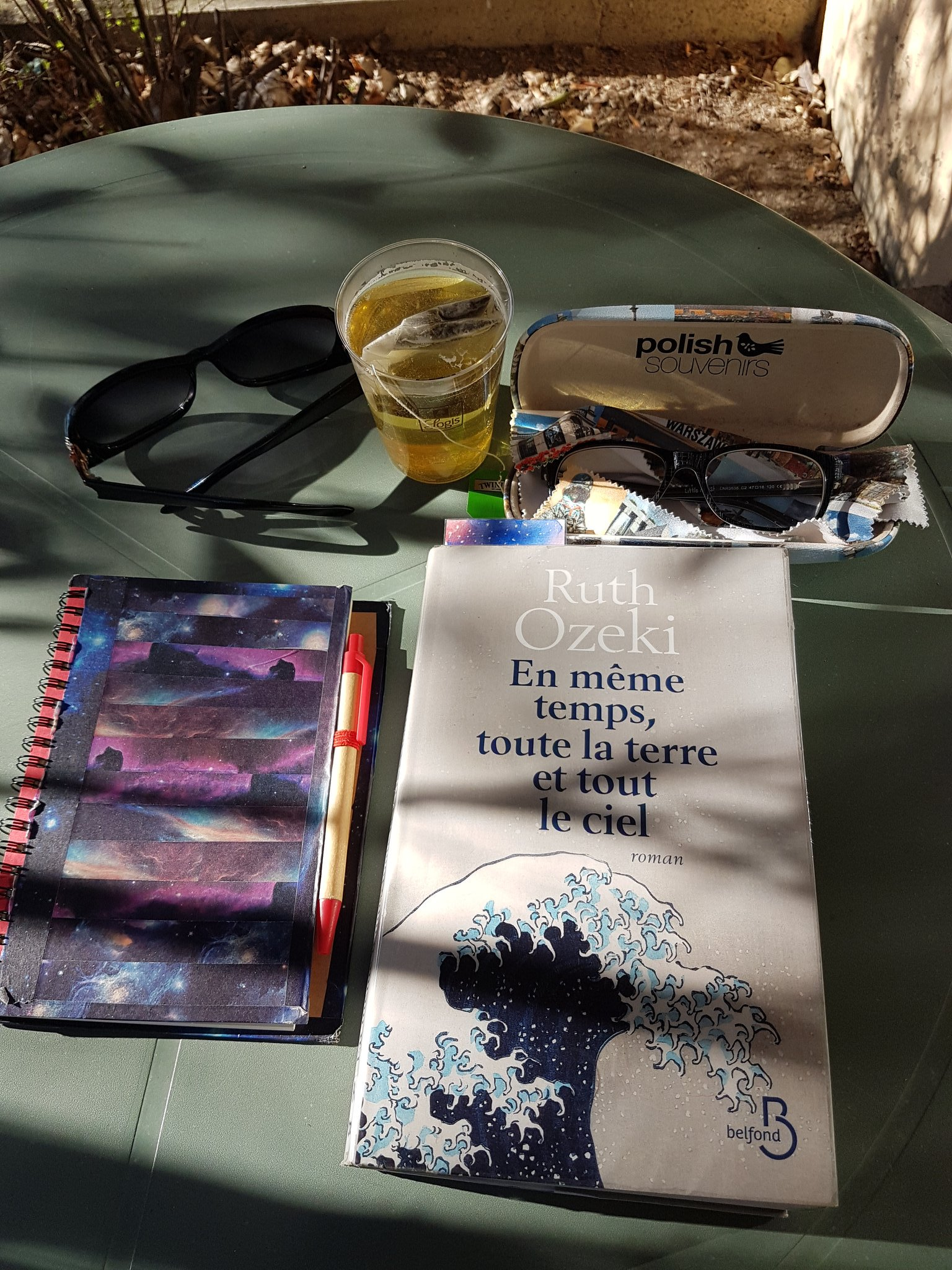 #vacances #montagne #repos #silence #lecture #thé #moment